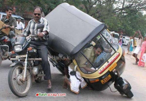 FUNNY INDIAN AUTO ACCIDENT