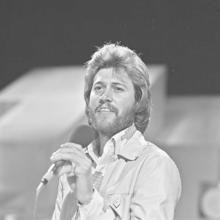 barry gibb quotes everybody is a teenage idol barry gibb