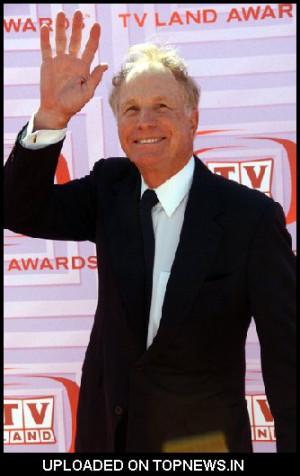 Wayne Rogers at 2009 TV Land Awards - Arrivals