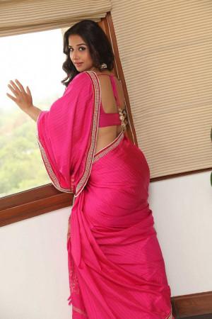 Thread: Vidya Balan Hot Stills In Saree