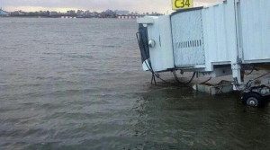 New York Underwater: The Most Surreal, Shocking #HurricaneSandy Photos