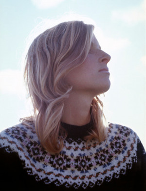 This portrait of Linda McCartney graces her posthumous compilation ...