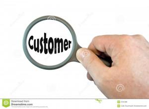 Magniying à mão de vidro sobre o cliente da palavra.