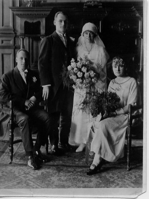 ... liddell marries ria in edinburgh eric and jenny seated eric liddell