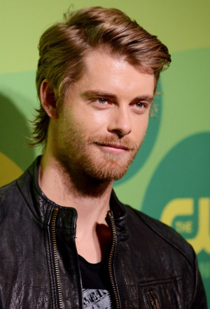 Luke Mitchell The Cw Upfront Presentation