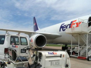 What Was the First Job and Work Experience of Fred Smith, CEO of Fedex ...