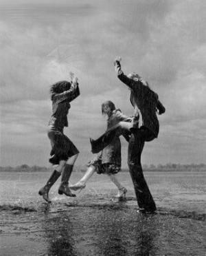 dancing_in_the_rain1.jpg#dancing%20in%20rain