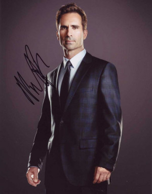 Nestor Carbonell in person autographed photo
