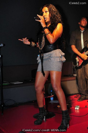 Canadian singer Melanie Fiona performing songs from her debut album ...