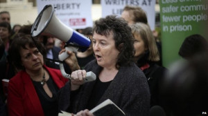 Poet laureate leads protest against prison book rules