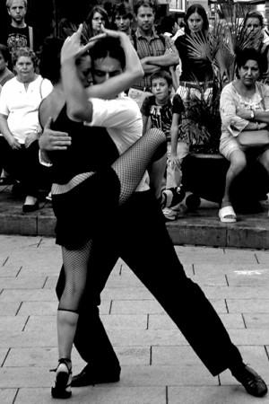 Show Tango (photo attributed to Ertug Tahma)