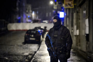 Belgium Verviers raid: Terror cell 'plotted to seize passenger bus or ...