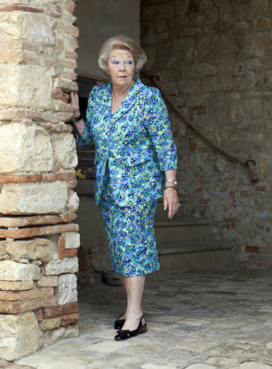Queen Beatrix Queen Beatrix of the Netherlands poses during a photo ...
