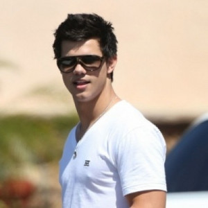 Taylor Lautner Autos and Cars (5)