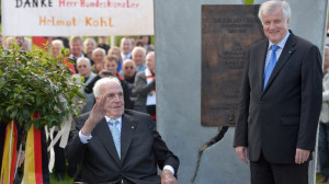 Ministerpr sident Horst Seehofer hat Altbundeskanzler Helmut Kohl zu