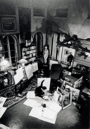Tove Jansson in her atelier on Ullanlinnankatu in the 1950s. She lived ...