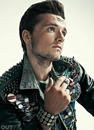 Actor Josh Hutcherson revealed his attraction to both men and women in ...