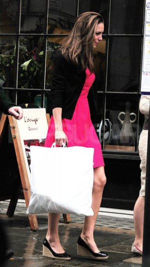 ... MIDDLETON_EXC-20wtmk.preview/i/Kate-Middleton-Pictures-Shopping-London
