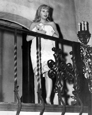 Barbara Stanwyck in Double Indemnity (1944) 2