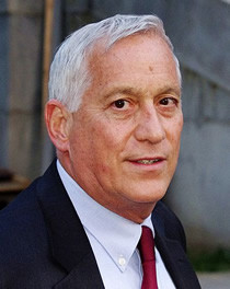 Walter Isaacson (1952- )   A testament to the connection between ...