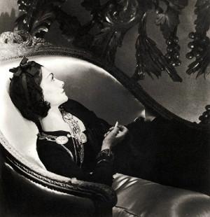 Coco Chanel nel suo appartamento del Ritz