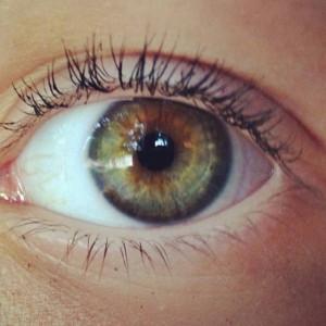 Hazel eyes :)