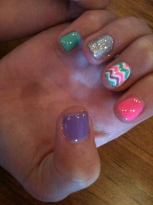 Cute Chevron Nails just wish I could go get them done right now More