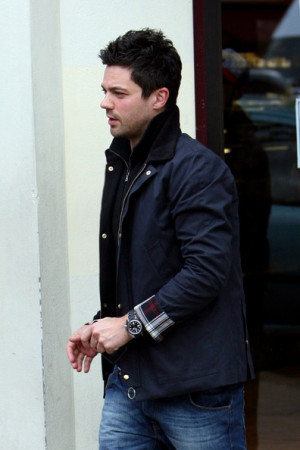 Dominic+Cooper+Dominic+Cooper+Out+London+a19o458I6JLl.jpg