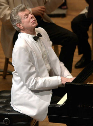 Pianist Van Cliburn performs with the Boston Symphony Orchestra at ...