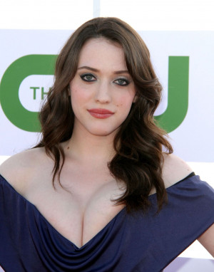 Kat Dennings Hairstyle, Makeup, Dresses, Shoes and Perfume
