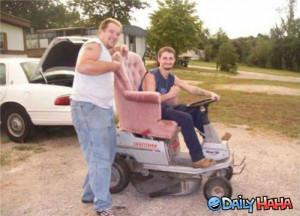 ... .gotsmile.net/images/2011/09/29/redneck-lawn-mower_13172933374.jpg