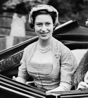 Princess Margaret wears a 1952 gray lace dress by Norman Hartnell. The ...