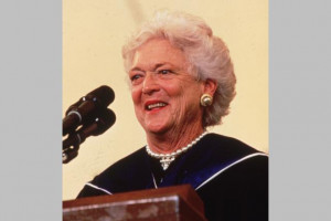 Barbara-Bush-at-Wellesley-College-1990-3209302x.jpg