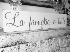 Italian saying quote sign