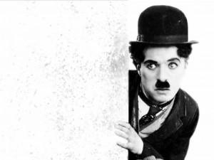 Chaplin partecipò a una gara di sosia di Chaplin e arrivò terzo!