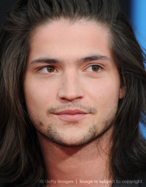 this is Thomas McDonell - Finnick Odair? new hot actor Finn of the 100 ...