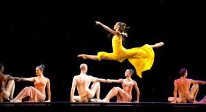 Martha Graham Dance Co dancer Xiaochuan Xie on the Pritzker stage.