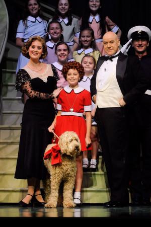 Annie-the-musical-cast.jpg