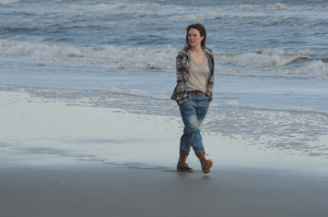 Julianne Moore dazzles in trailer for 'Still Alice'