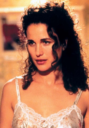 Still of Andie MacDowell in Multiplicity (1996)