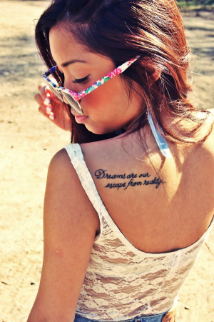 Quote shoulder blade tattoo design – back tattoo idea for woman