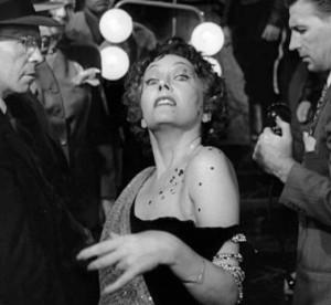 ... Ten Reasons Why I LOVE The Movie Sunset Boulevard by Arlaina Tibensky