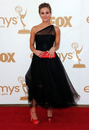 Dressed in sexy black for the 63rd Primetime Emmy Awards, Cuoco ...