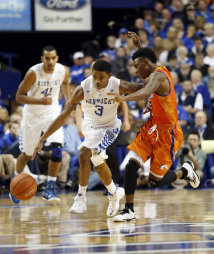 drew-charles-ncaa-basketball-texas-arlington-kentucky.jpg