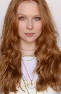 Alexis Castle Molly Quinn Amro