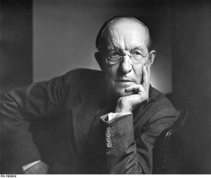 Duncan Campbell Scott. Photo by Yousuf Karsh, courtesy of the Library ...