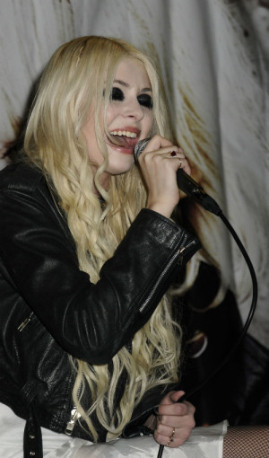 Taylor Momsen made a cultural gaffe when OK Magazine asked her about ...