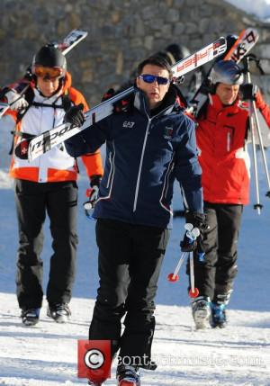 matteo renzi matteo renzi skiiing on holiday 4519620
