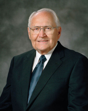 Elder L Tom Perry Mormon