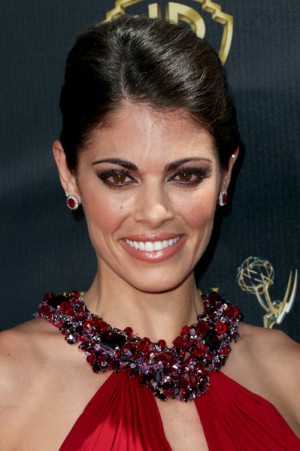 Lindsay Hartley Actress Lindsay Hartley attends The 42nd Annual